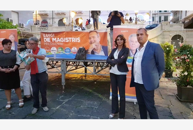 "De Magistris in Calabria: ""I cittadini mi chiedono diritti primari"""