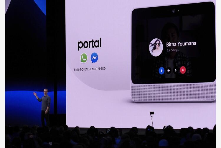 Facebook, arriva nuova generazione di 'smart display'