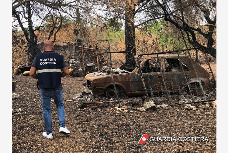 Rifiuti:eternit e carcasse auto bruciate,sequestro e denunce
