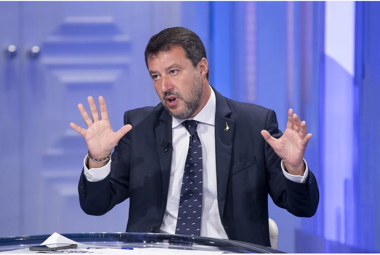 Presidente Consiglio Lombardia lascia Fi per la Lega