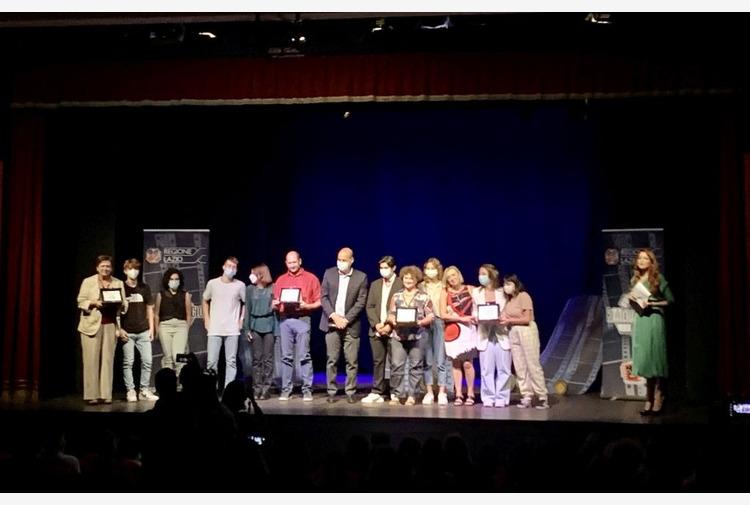 Cortometraggi su ambiente e rifiuti, Zingaretti premia studenti
