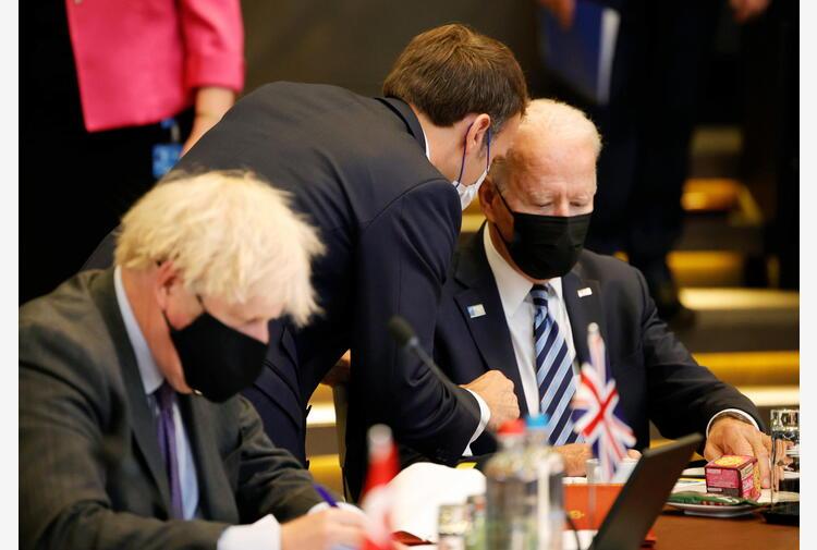 Sottomarini: media, Biden e Johnson stufi di reazione Macron
