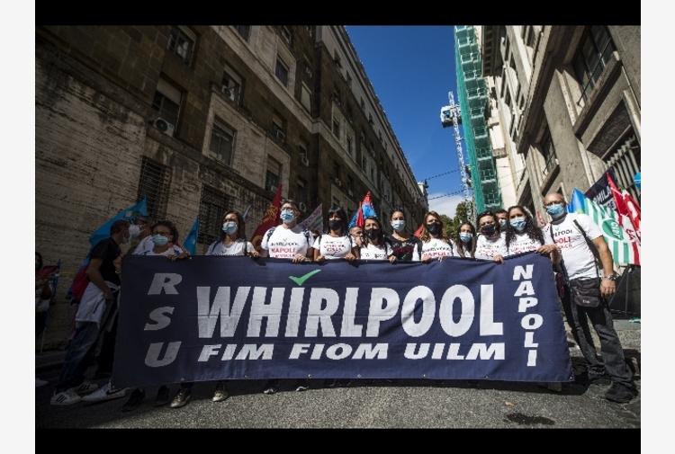 Whirlpool: Giorgetti ottiene sospensione fino al 15/10