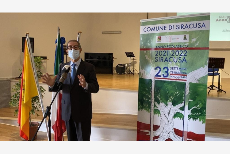 Musumeci agli studenti 'Cambiamo assieme questa terra di Sicilia'