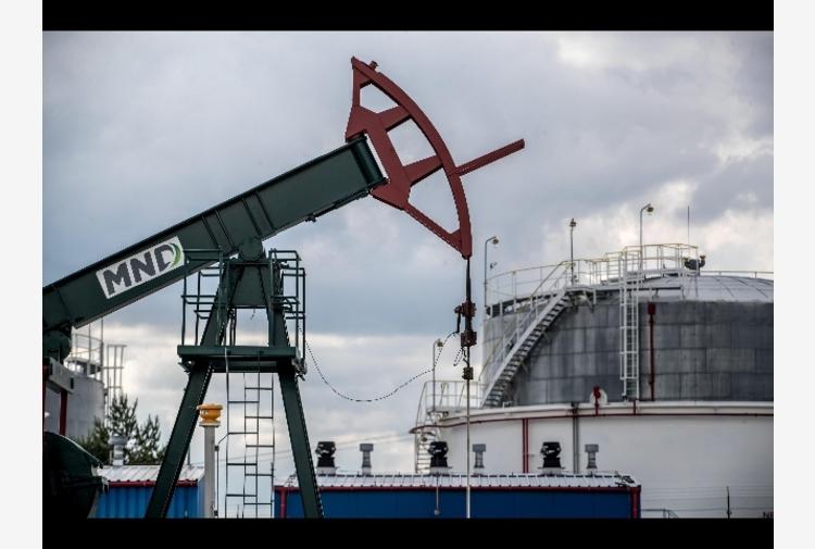Petrolio: in rialzo sopra quota 73 dollari (+0,23%)