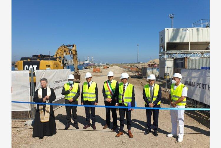 """Al porto di Ravenna partono i lavori per l'hub con consegna aree: """"Giornata storica"""""""