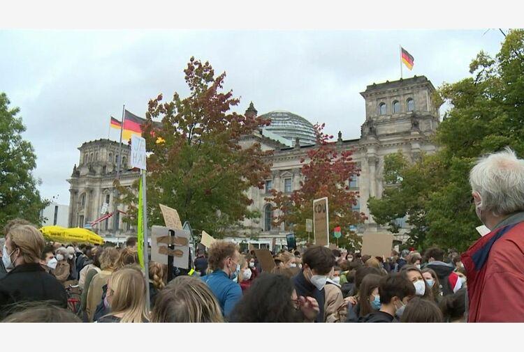 Germania al voto, l'ultimo appello per convincere gli indecisi