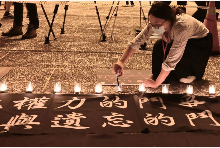 Hong Kong:dopo 30 anni si scioglie gruppo veglie Tienanmen