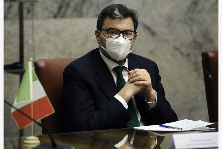 Giorgetti smussa: politica molto provinciale, vive di polemiche
