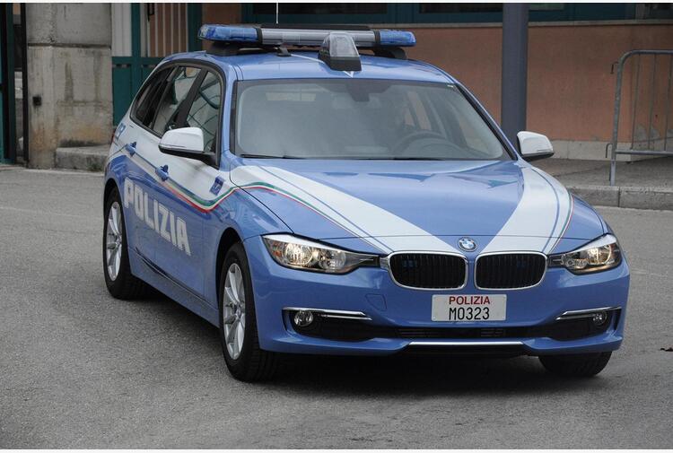 Polizia sgomina 'consorzio familiare' per furti in case