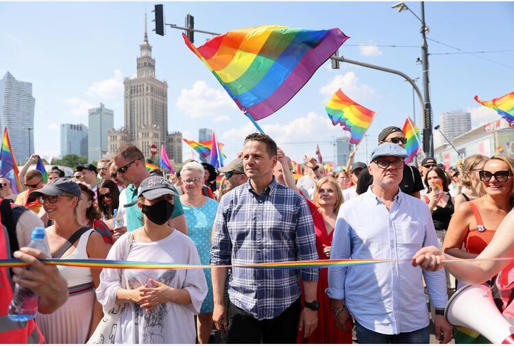 Polonia: tre regioni polacche annullano le risoluzioni anti-Lgbt