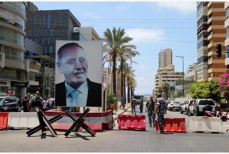 Libano: manifestanti Amal sparano in aria a Beirut
