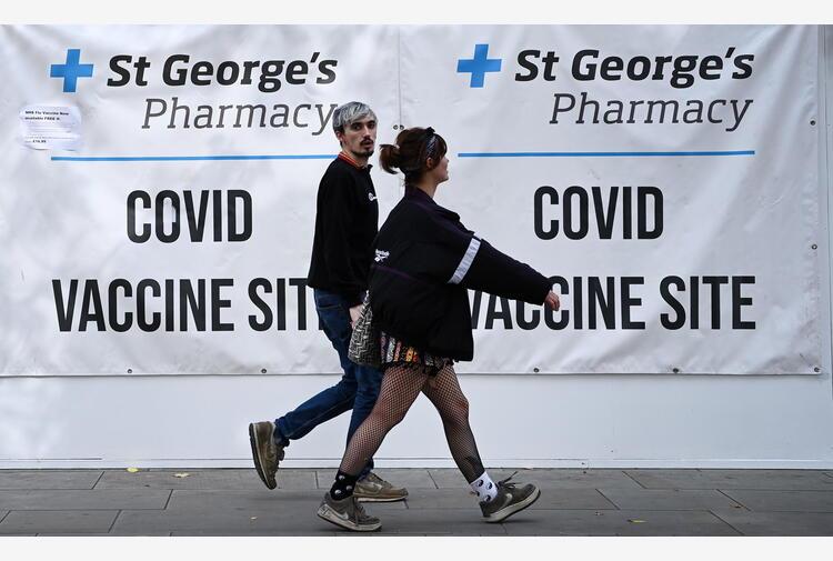 Covid: altri 45.000 casi in Gb, picco dall'estate