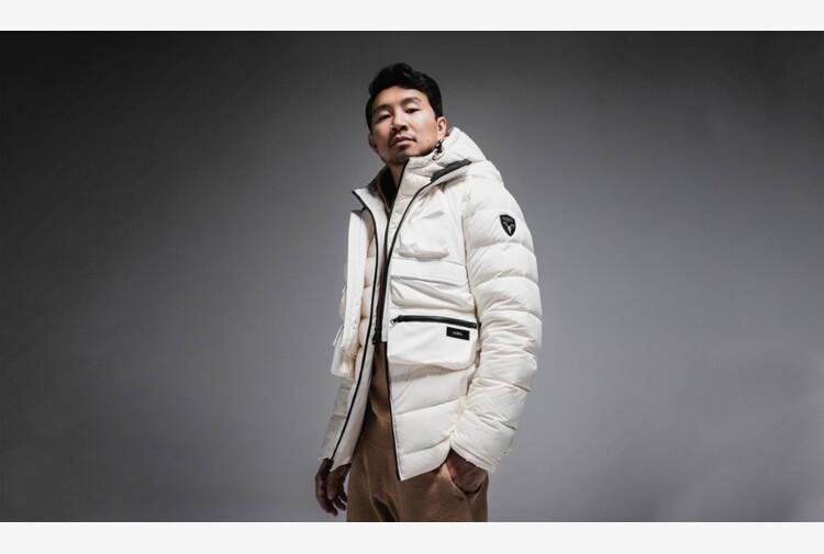 L'attore Simu Liu ambasciatore del brand di outdoor Nobis
